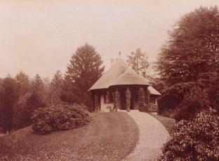 Swiss Garden, 1901